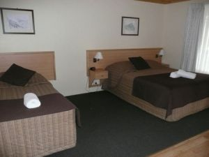 Black Gold Country Cabins - St Kilda Accommodation