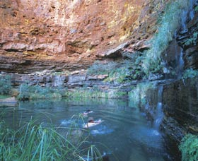 Dales Gorge and Circular Pool - St Kilda Accommodation