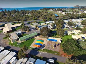 Victor Harbor Holiday  Cabin Park - St Kilda Accommodation