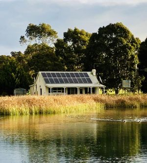 The Lake House Retreat - St Kilda Accommodation