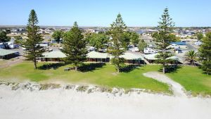 Wallaroo Holiday Park - St Kilda Accommodation
