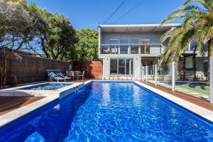 Front Beach House - St Kilda Accommodation