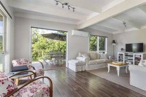 Blairgowrie Bella - light filled home with great deck - St Kilda Accommodation