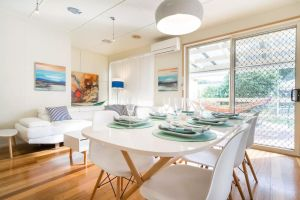 Nautique Beach House - St Kilda Accommodation